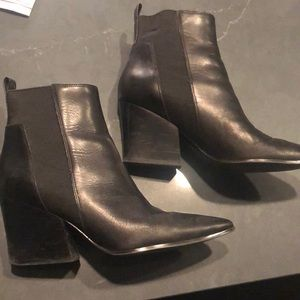 Kendall and Kylie black point booties